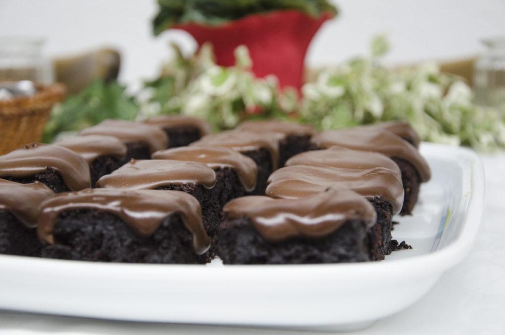 Vegane Brownies mit Schokoladen-Ganache