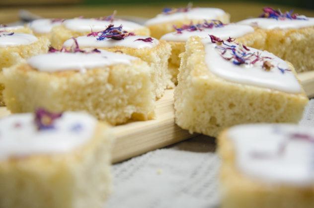 Sommerlicher Blechkuchen: Zitronenkuchen